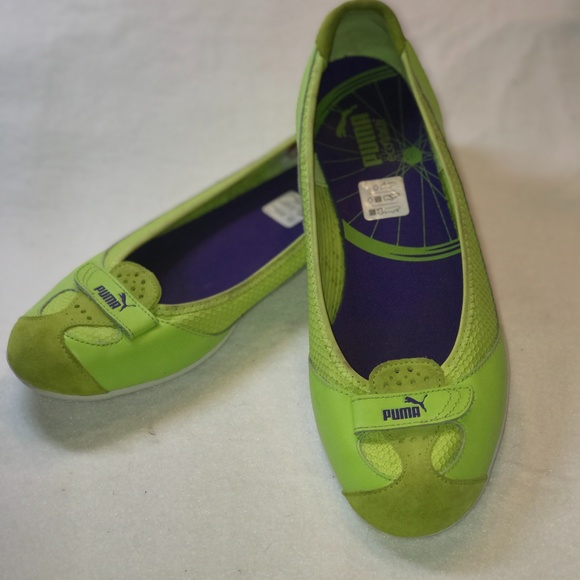 PUMA - COMFORTABLE LIME GREEN SLIP ON'S IN SIZE 10
